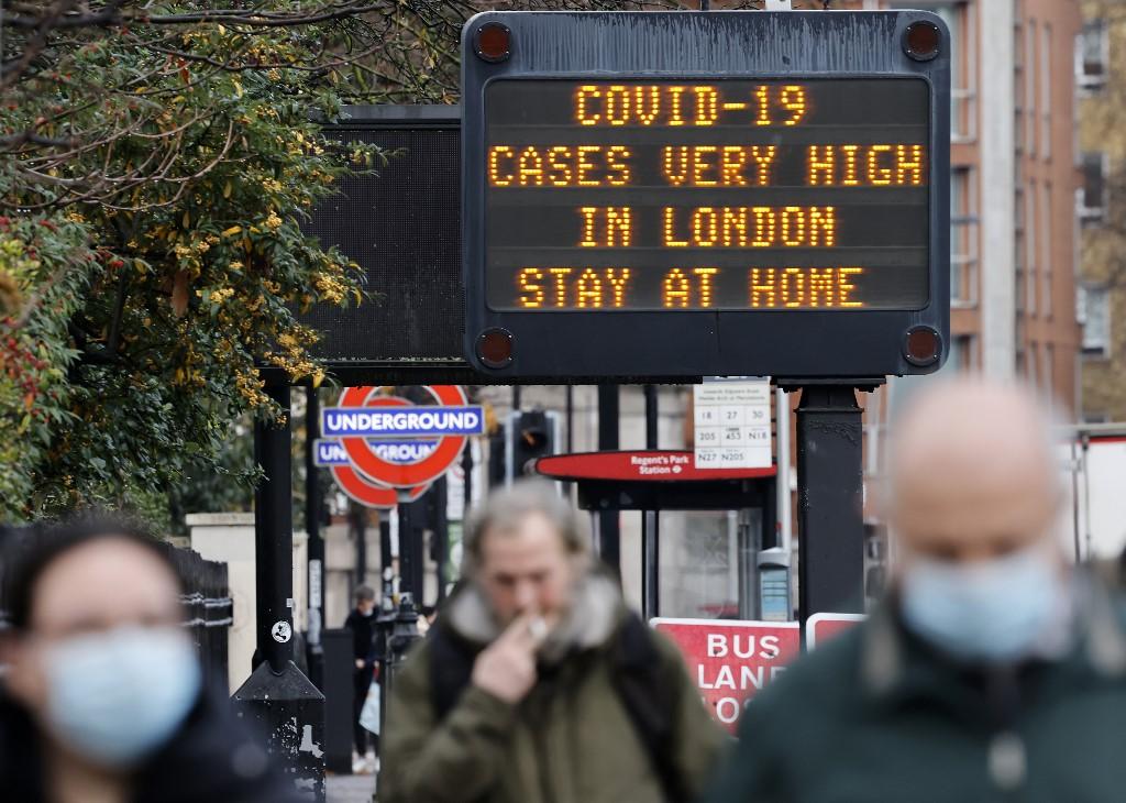 Detectan otra cepa de coronavirus en el Reino Unido