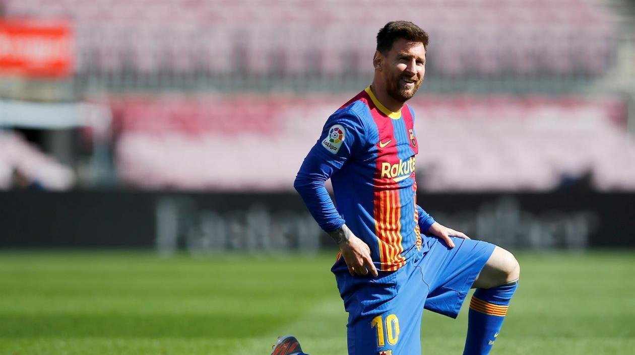 Subastan camiseta de Messi en 11.364 dólares para tratamiento de un niño