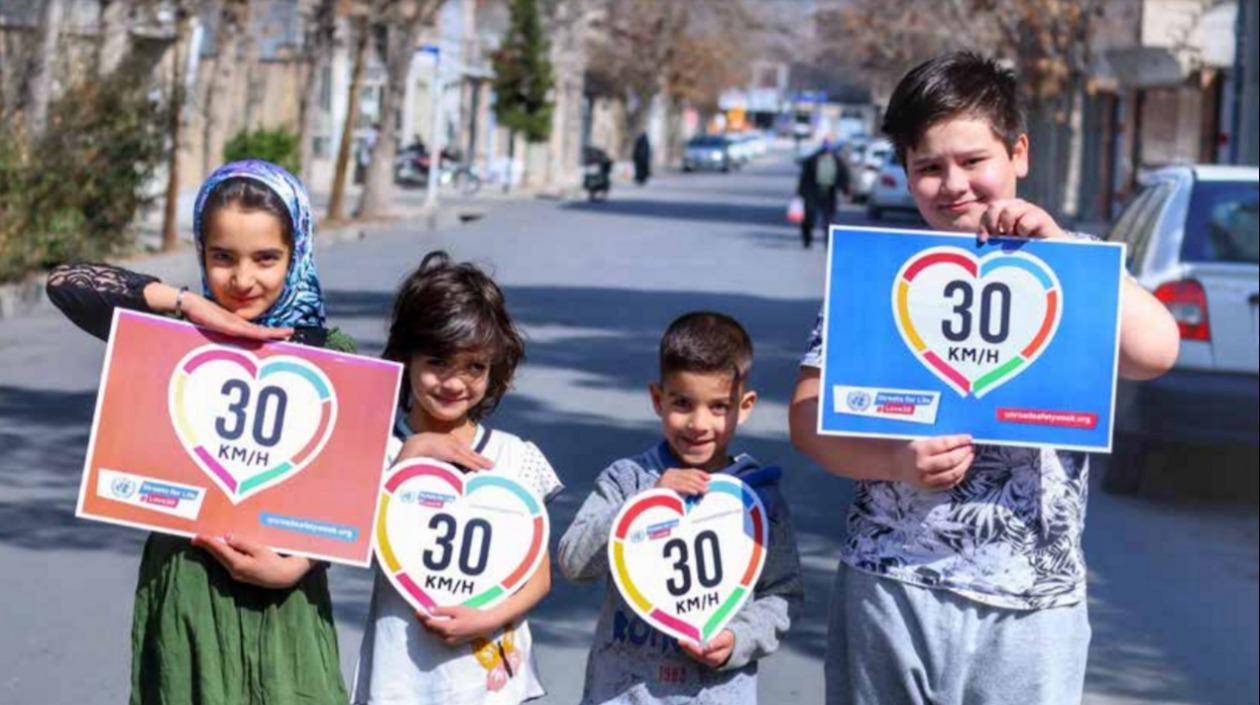 OMS pide reducir a menos de 30 kilómetros por hora velocidad de carros en ciudades