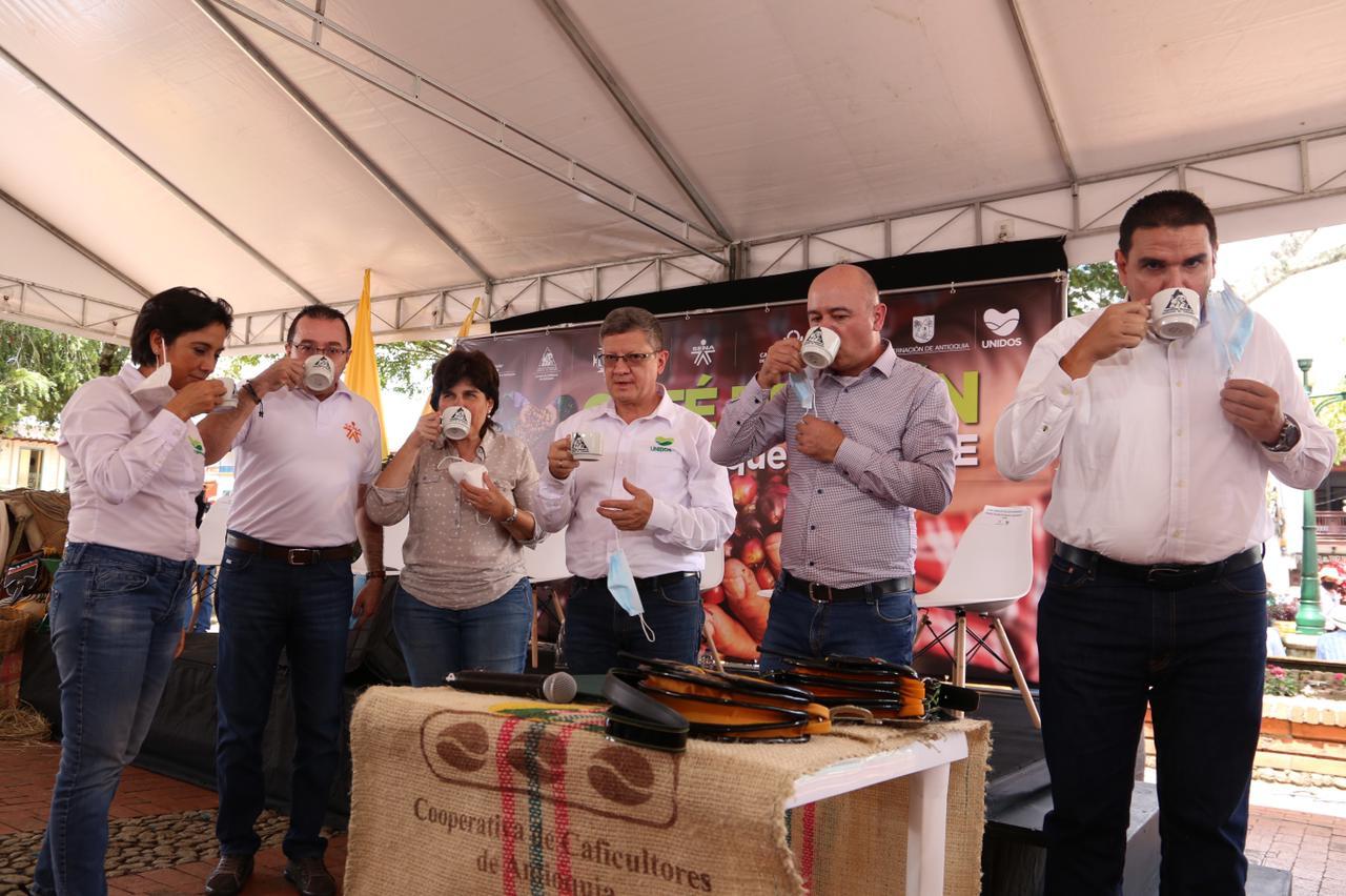 La reactivación económica del sector cafetero es vital para Antioquia