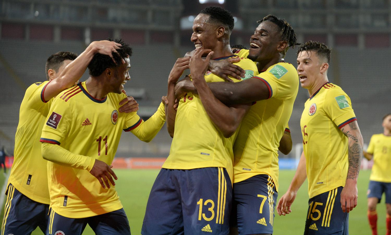 Colombia goleó a Perú y se reivindica en Eliminatorias