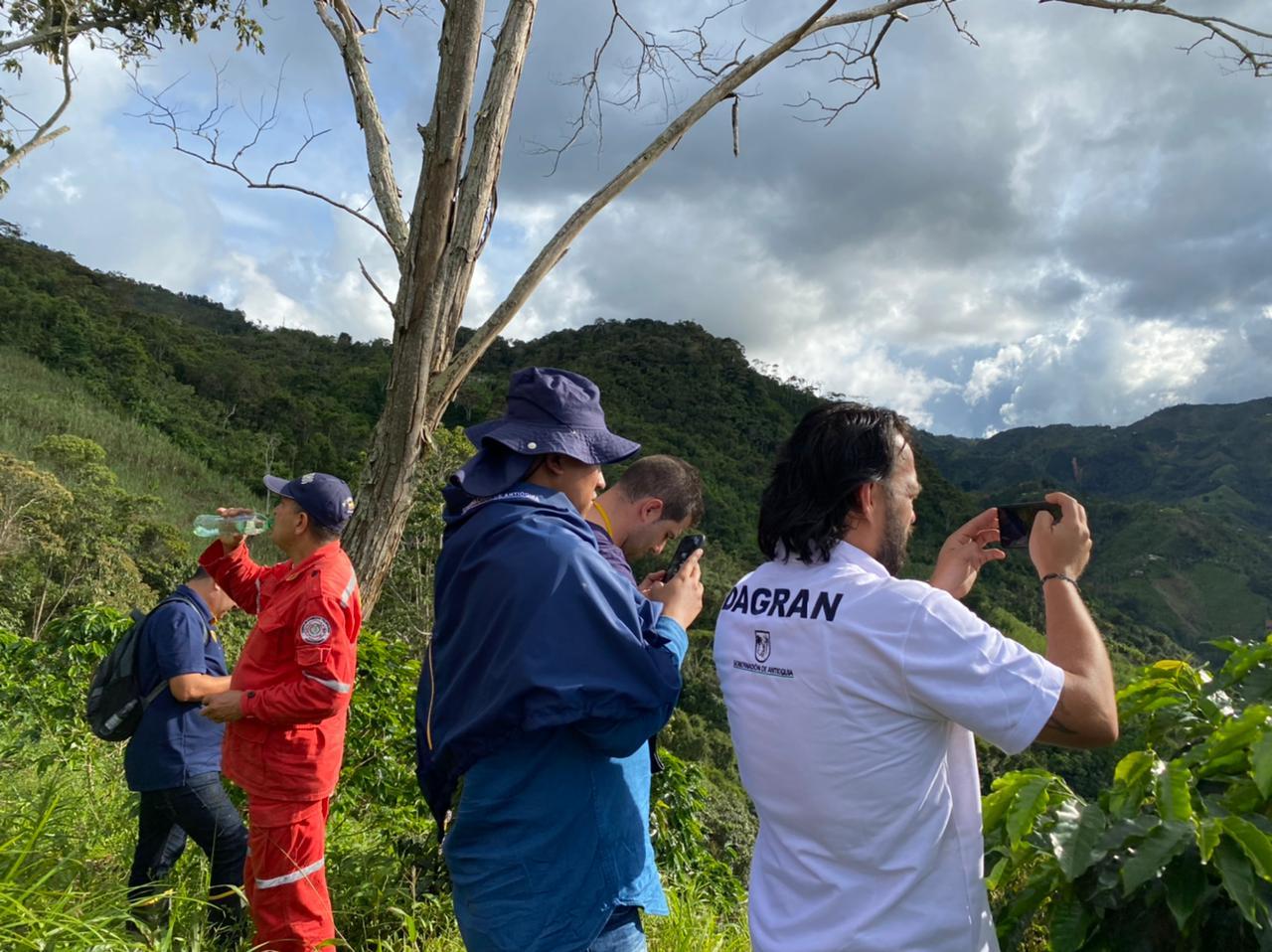 Así avanza la atención de la emergencia en Santo Domingo, Antioquia, tras avenida torrencial en la quebrada Santa Gertrudis y múltiples deslizamientos