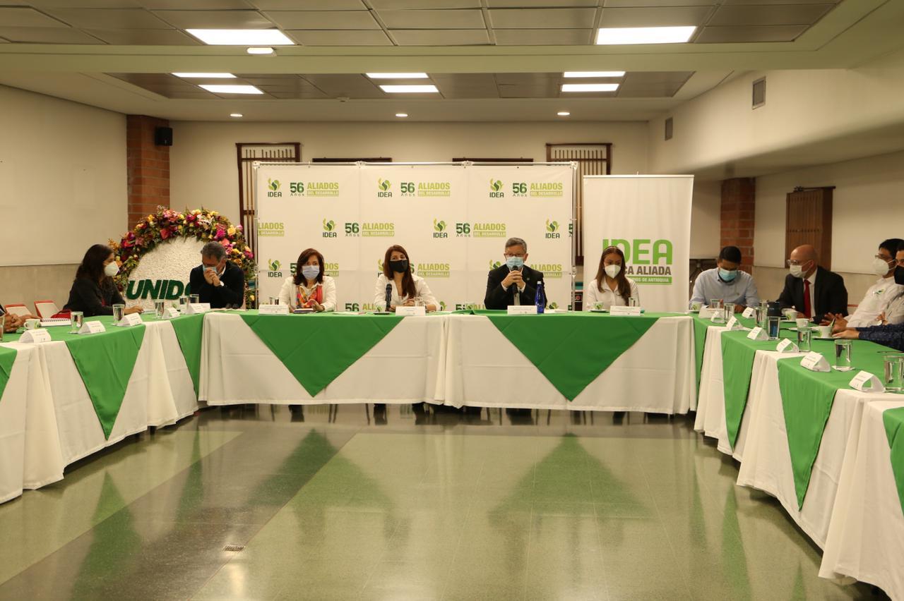 Los representantes de iglesias y organizaciones religiosas también participaron en el Diálogo Social por la Vida