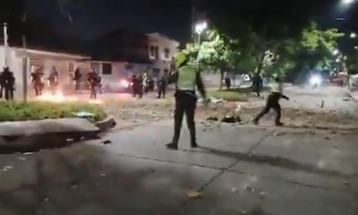 Fuertes disturbios durante el partido de Colombia vs Argentina en Barranquilla