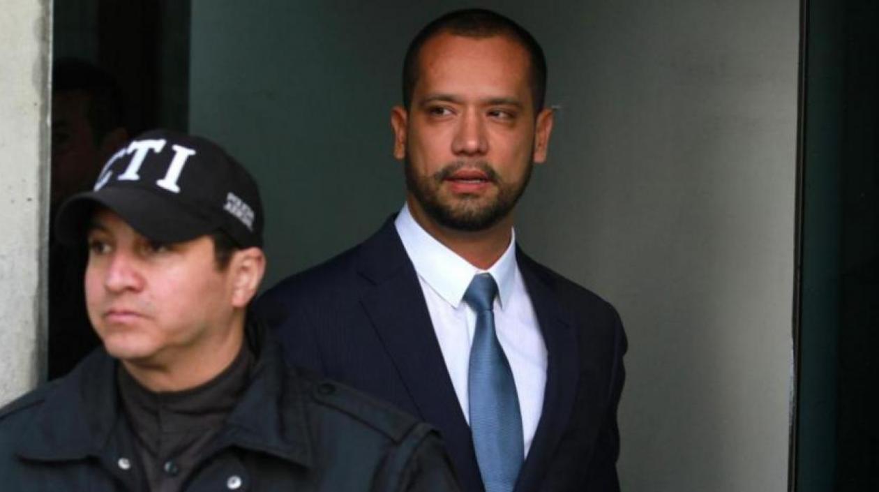 Diego Cadena, abogado de Álvaro Uribe, quedó en libertad tras vencimiento de términos