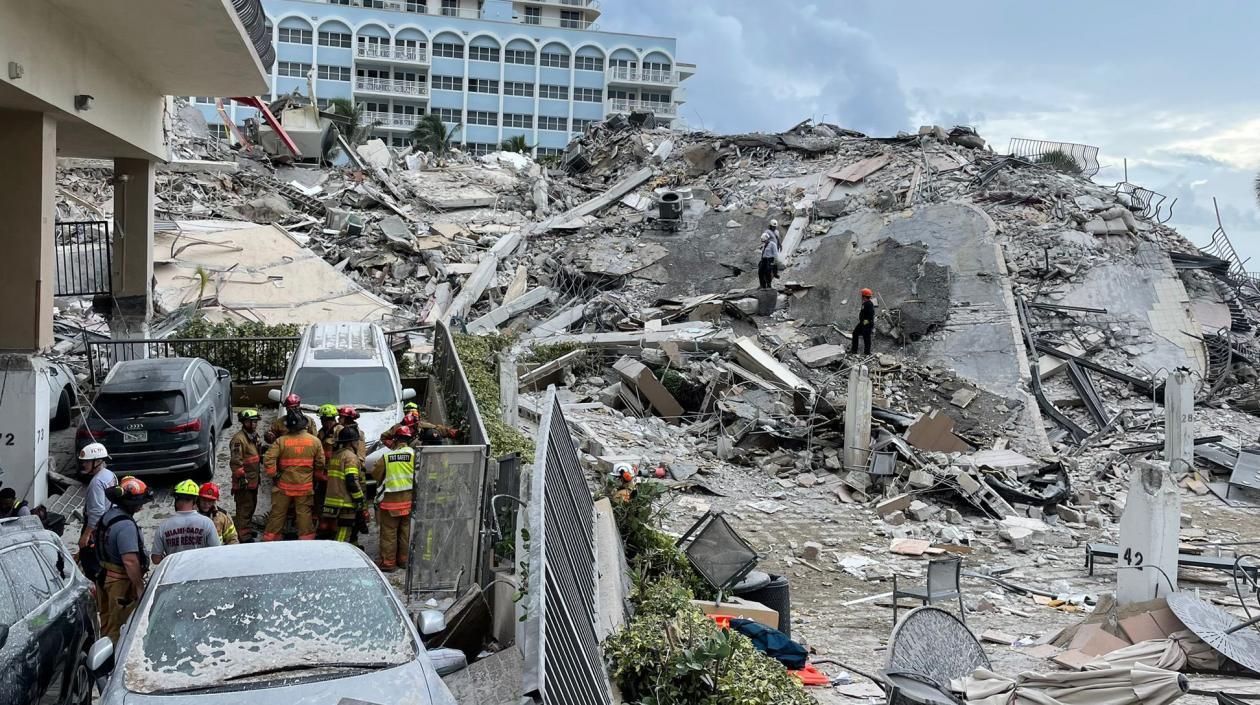 Incendio dificulta labores de rescate de sobrevivientes en derrumbe de Miami
