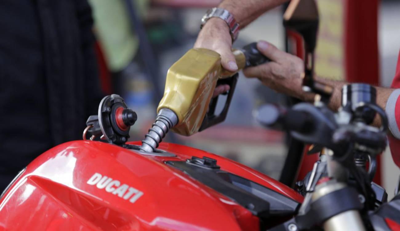 Cámara de Representantes aprobó proyecto que regula sobretasa a la gasolina