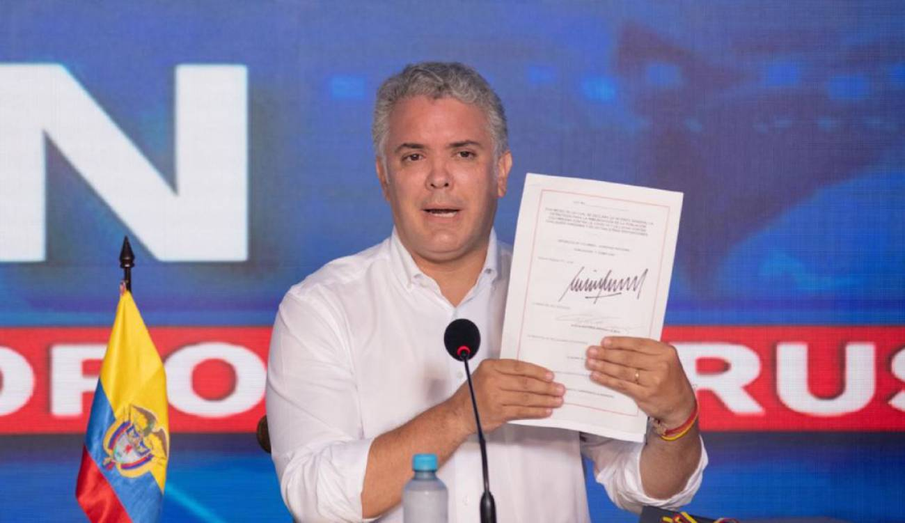@IvanDuque firmó decreto para potenciar empleo juvenil en Colombia