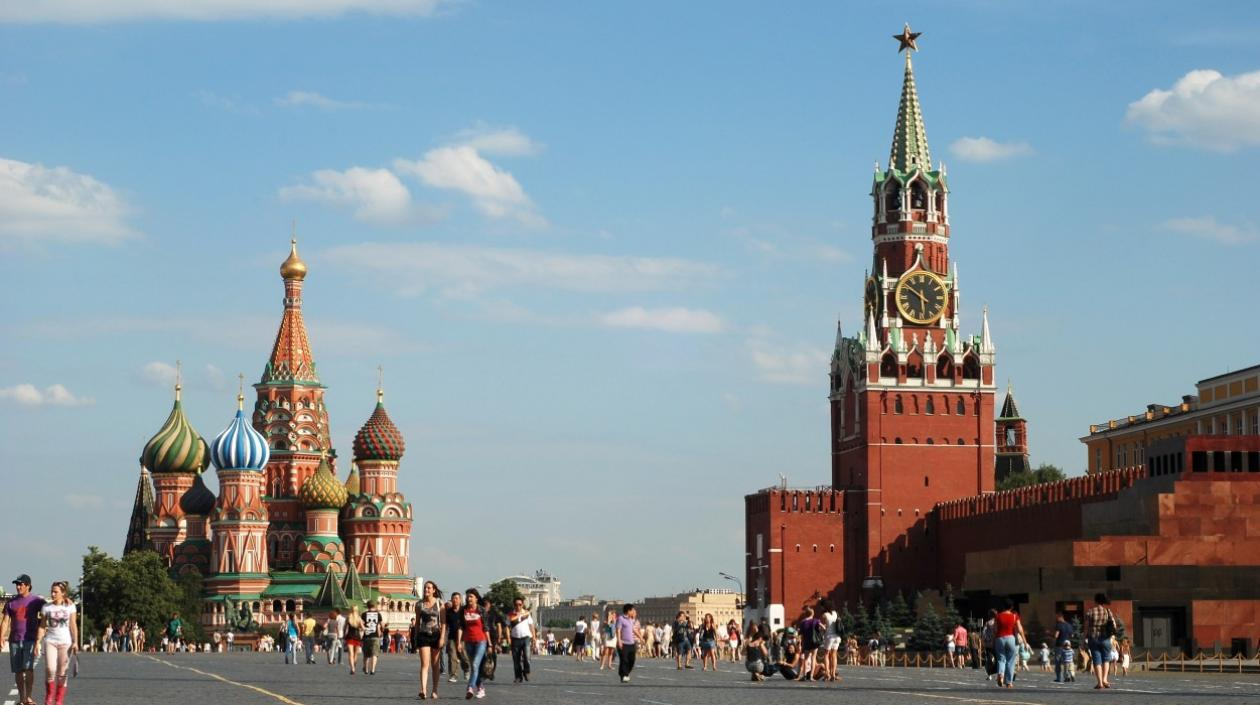 Moscú ordena vacunación obligatoria ante negativa de habitantes a inocularse