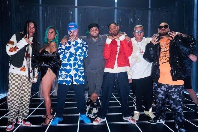 J balvin se une a Karol g y Nicky jam para el «poblado» remix con Crissin, Totoy el frio & Natan y Shander «¿qué más pués?» entra en el top 20 del listado global de spotify nominado a once premios en los premios juventud 2021