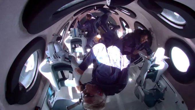 Richard Branson hace historia tras su primer viaje al espacio con la nave SpaceShipTwo
