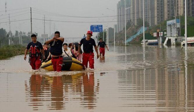 Nuevas inundaciones anegan el centro de China