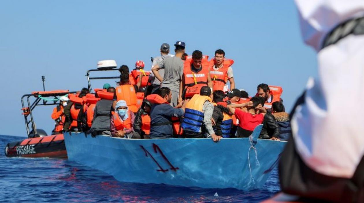 Naufragio de barco con migrantes en costas de Túnez deja 43 desaparecidos