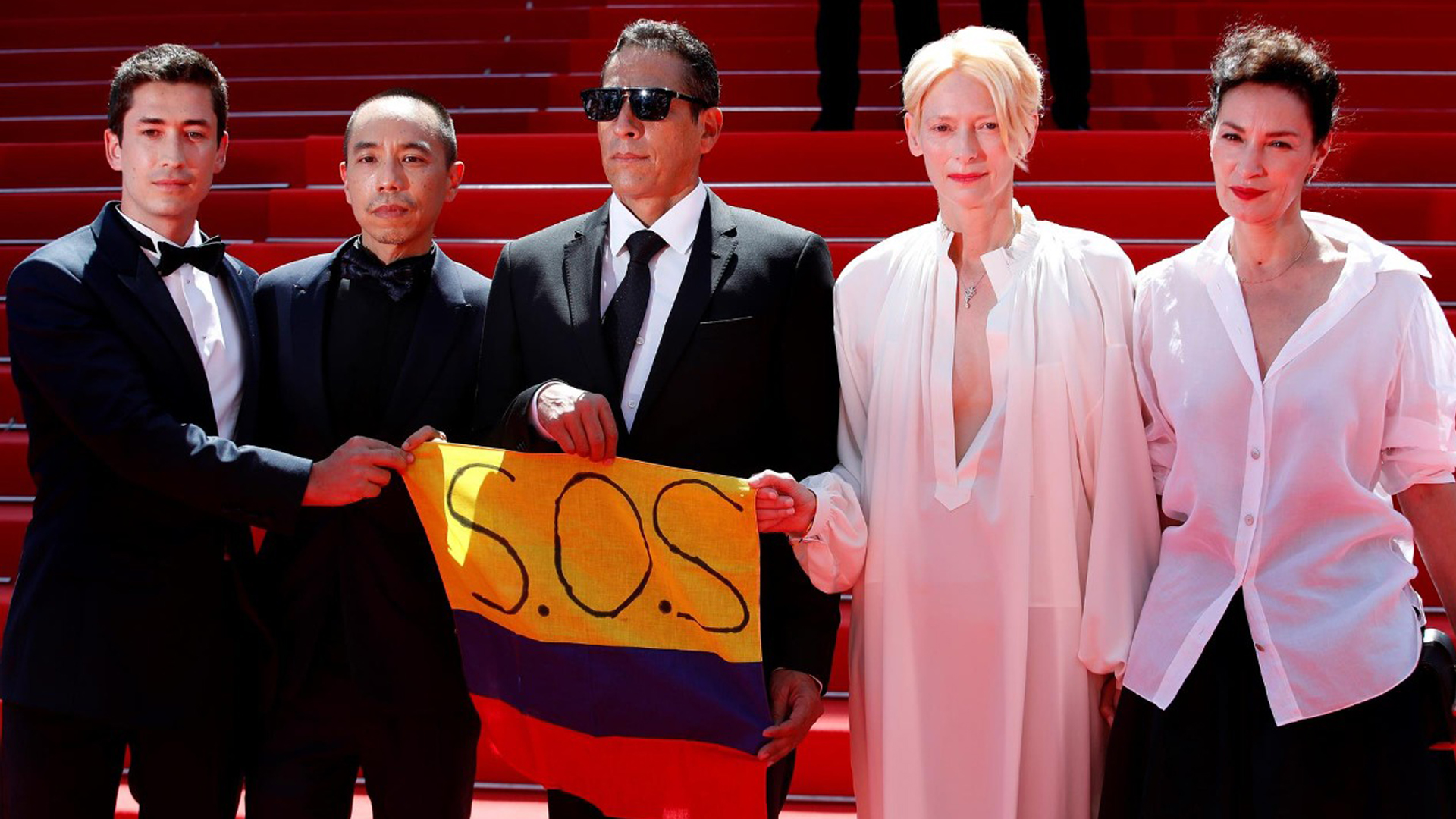 """Actores de la película """"Memoria"""" hacen un S.O.S por Colombia en el festival de Cannes"""