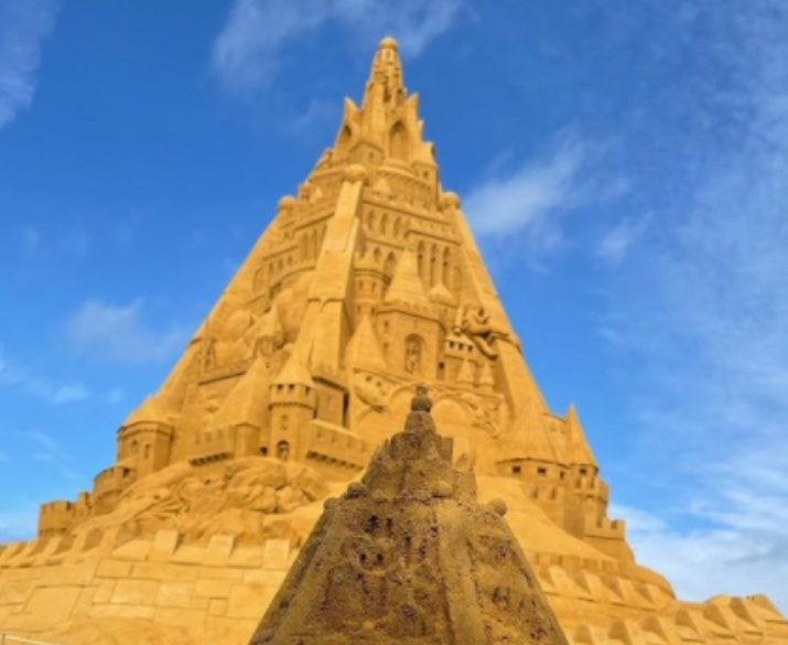 Construyen el castillo de arena más grande del mundo en Dinamarca