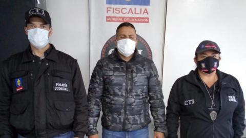 Patrullero de la Policía que presuntamente agredió a su expareja sentimental fue trasladado a prisión