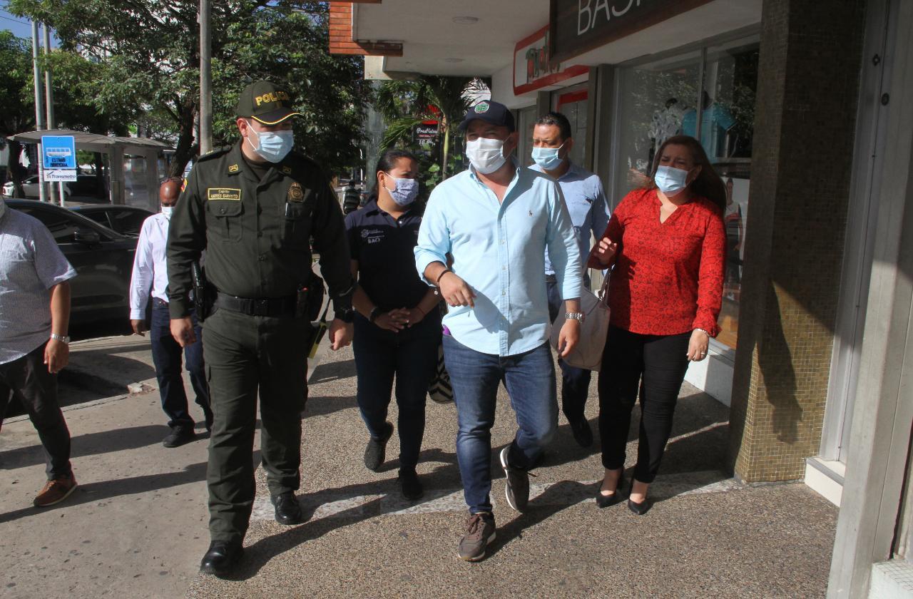 Autoridades y comerciantes de la calle 72, unidos por la seguridad del sector  – @alcaldiabquilla