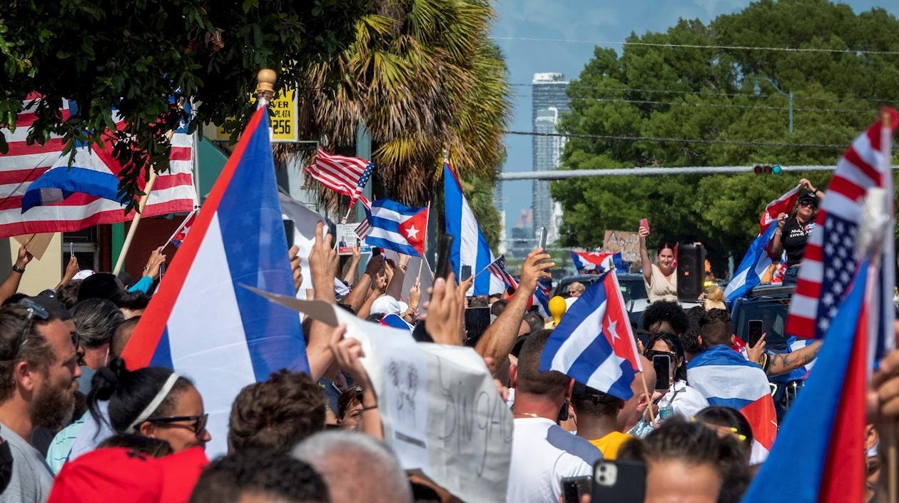 Cubanos bloquearon autopista de Miami para llamar la atención de Estados Unidos