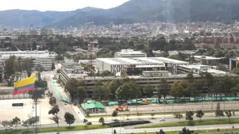 Implosión en la antigua sede del Ministerio de Defensa
