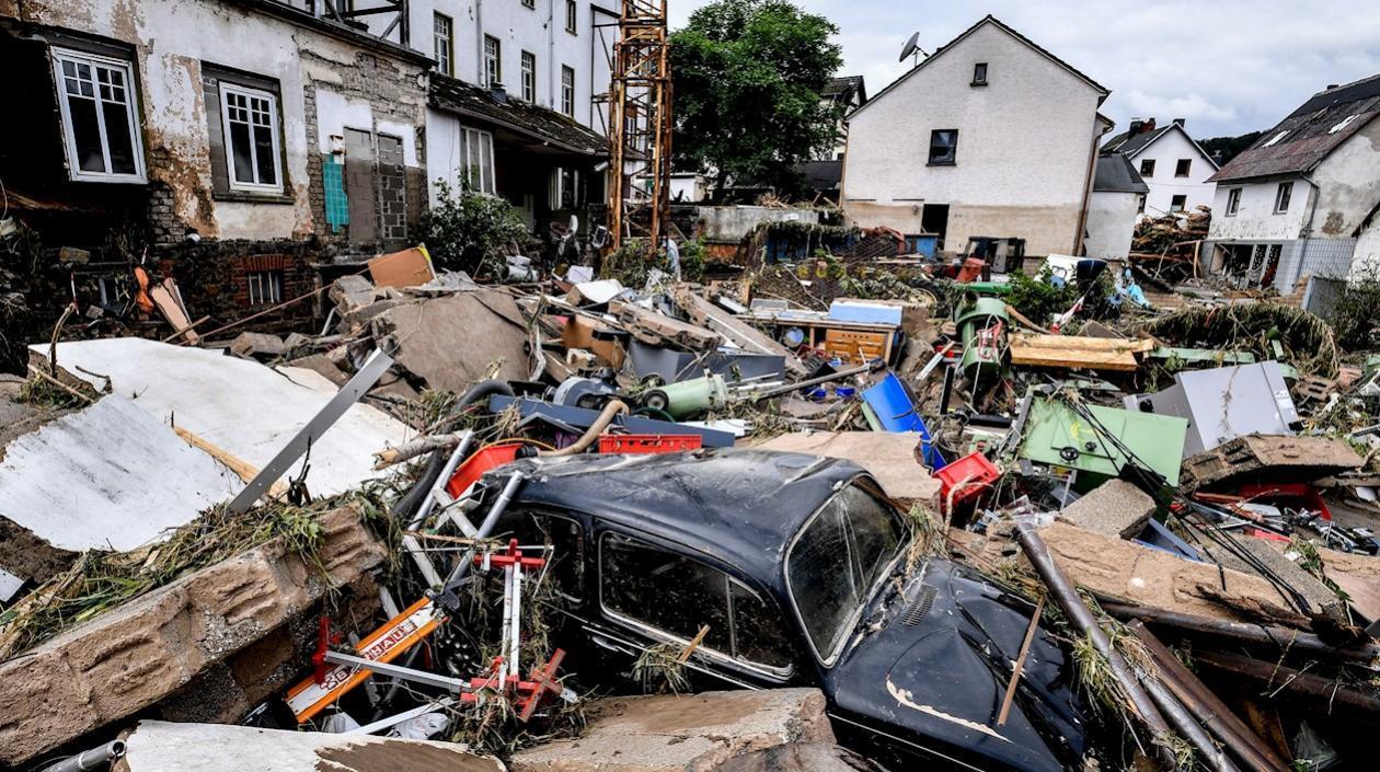 Colapso de viviendas en zona de inundaciones en Alemania dejaron varios muertos