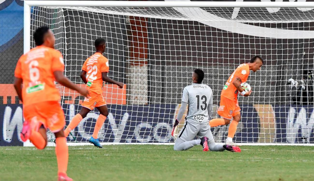 """Atlético Nacional se """"relajó"""" y Envigado le empató tras ir ganando 2-0"""