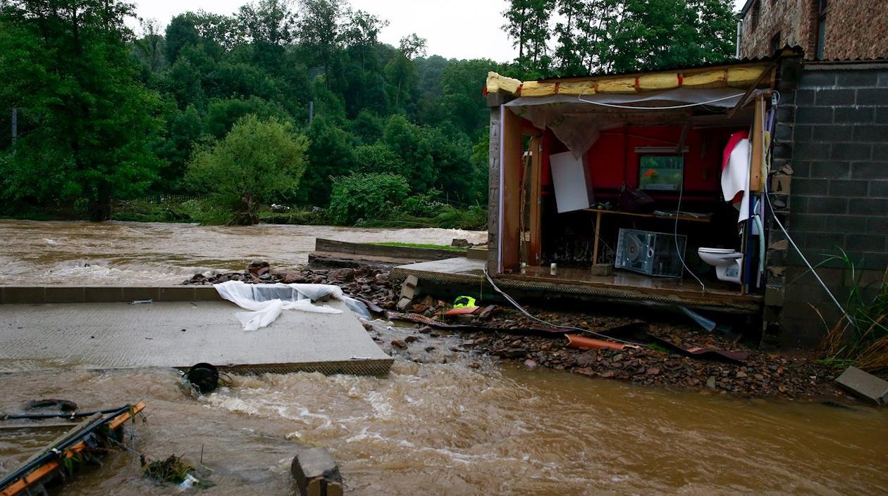 Seis muertos dejan inundaciones y un marco dramático en Lieja