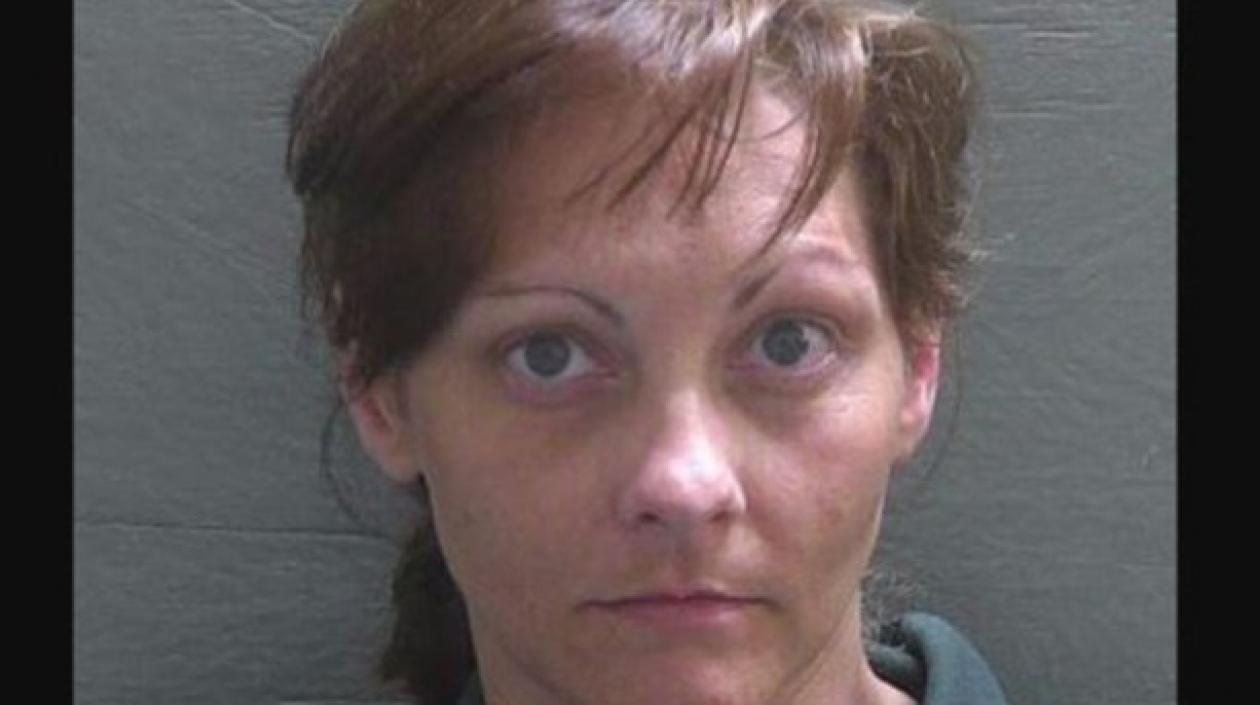 Mujer que dejó olvidada en un auto a su hija de 2 años y murió, fue condenada a 25 años de cárcel