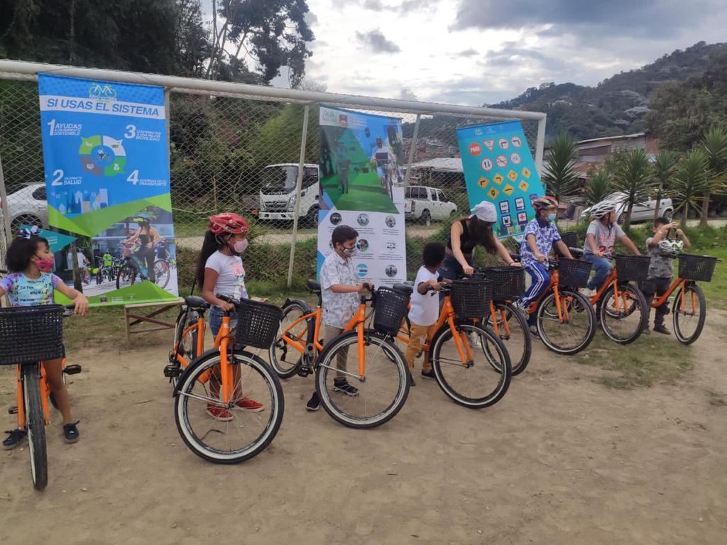 'Manizales en Bici' enseña a niños sobre el buen uso de la bicicleta y medios de transporte amigables con el ambiente