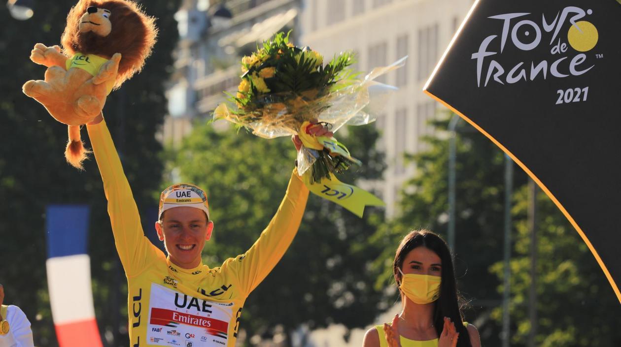 El esloveno Tadej Pogacar se proclamó bicampeón del Tour de Francia