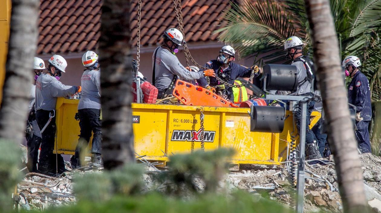 Se confirman dos muertos más en colapso de edificio en Miami, incluida la hija de 7 años de un bombero