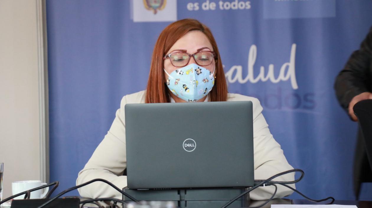 """MinSalud confirma «tendencia clara a la reducción de contagios y mortalidad"""" por Covid-19"""