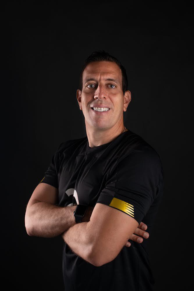 Carlos Gutierrez, el entrenador de arqueros que expande su metodología de entrenamiento