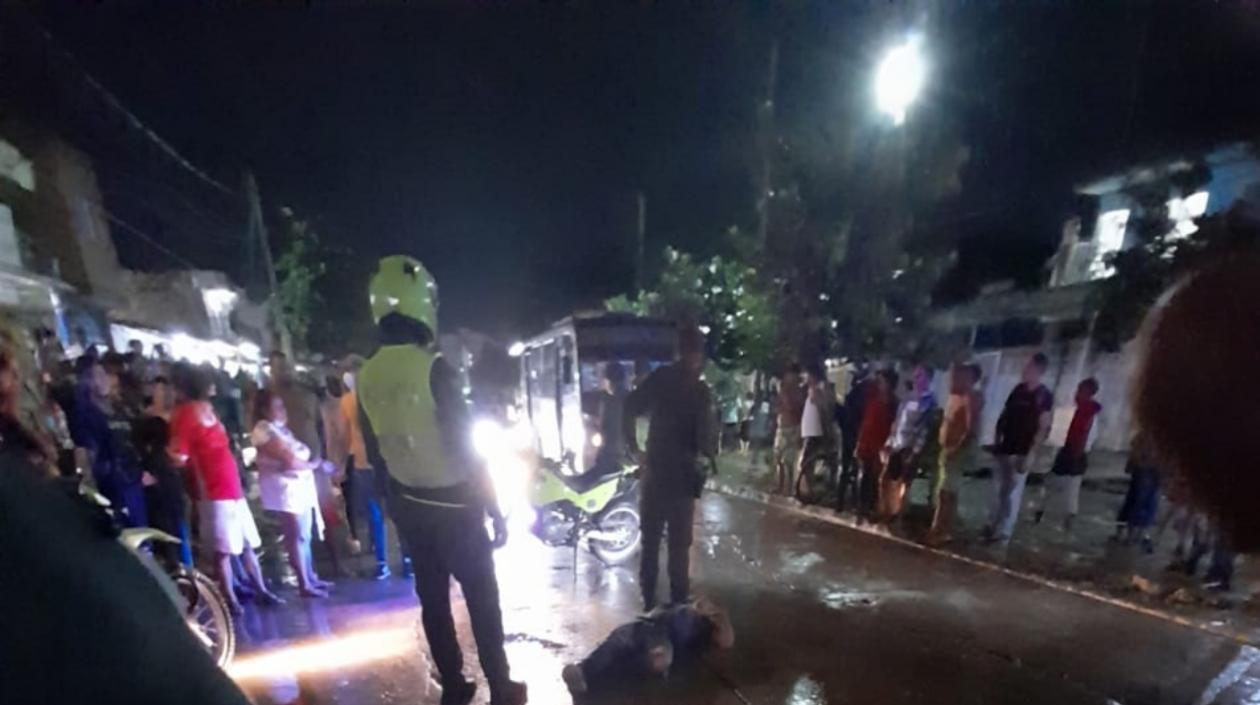 Doble asesinato en Soledad: Sicario les disparó y huyó en un motocarro