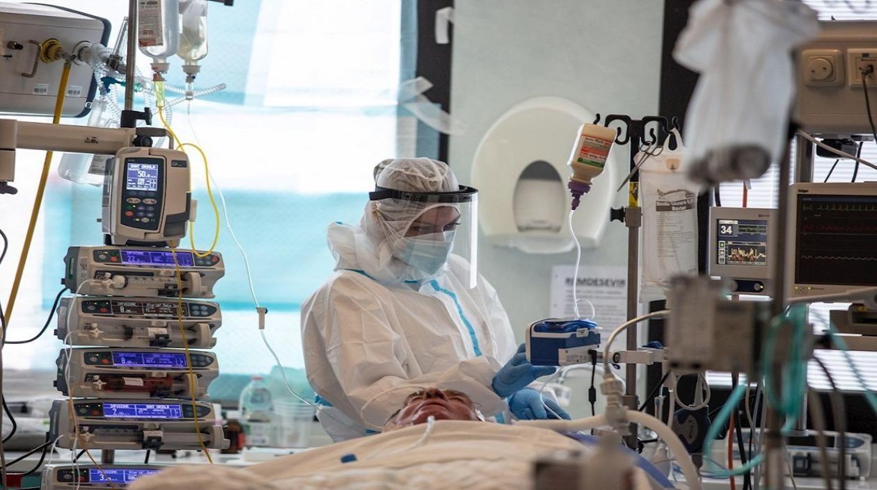 Francia volvió a superar la cifra de 8 mil hospitalizados por Coronavirus