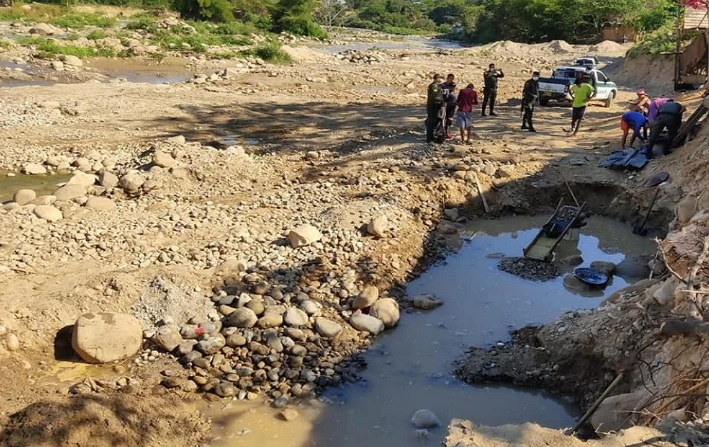 Operativo de minería en Nechí, Antioquia dejó un muerto y tres heridos