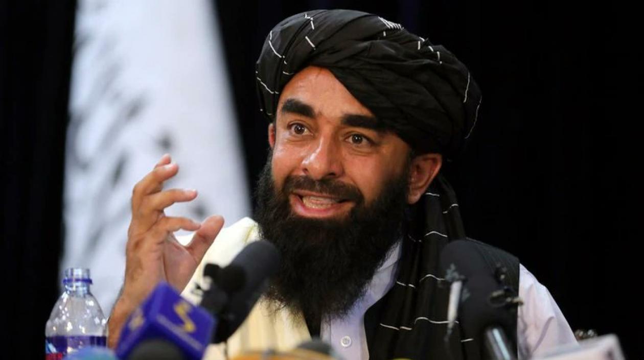Talibanes «buscan la reconciliación y mujeres «podrán trabajar»