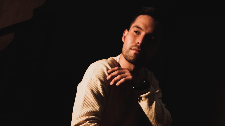 Conoce al ingeniero de sonido, productor y músico colombiano 'Nández'
