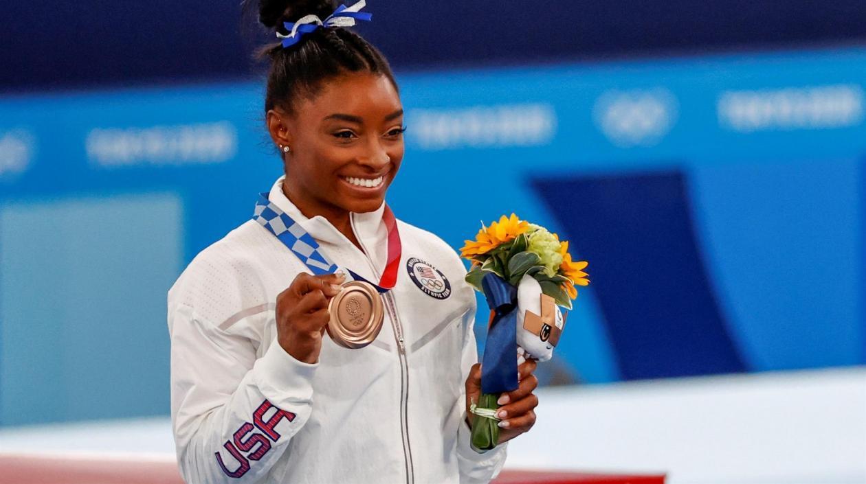Con una medalla de bronce, Simone Biles logró su última medalla en los Juegos Olímpicos de Tokio 2020