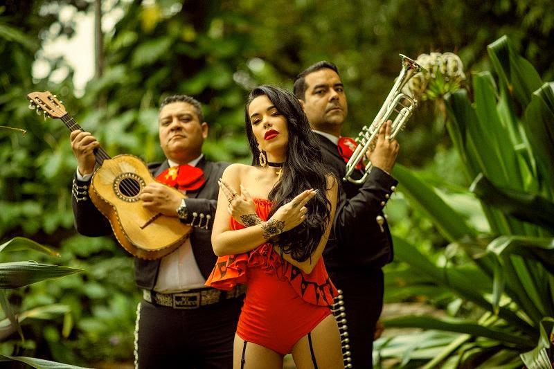 """Beatriz Luengo estrena nuevo tema junto a Darell """"Chanteito Pa´un ex"""""""