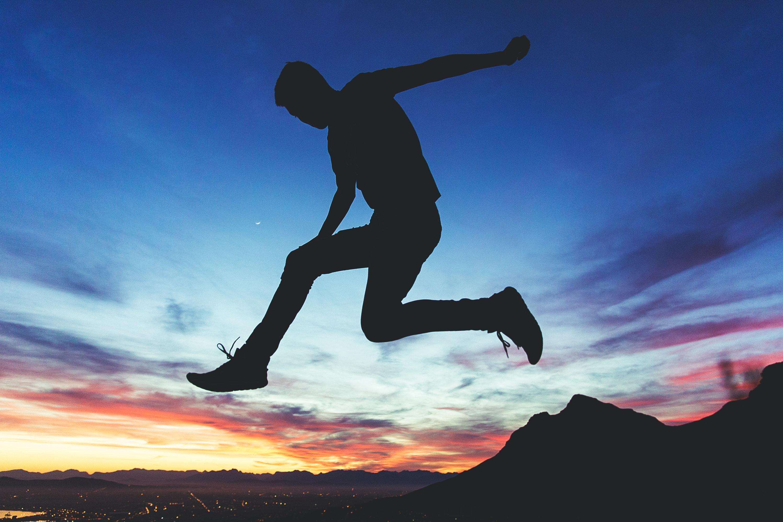 Conozca los pasos para llevar sus ideas a la acción y lograr un crecimiento exponencial en su vida