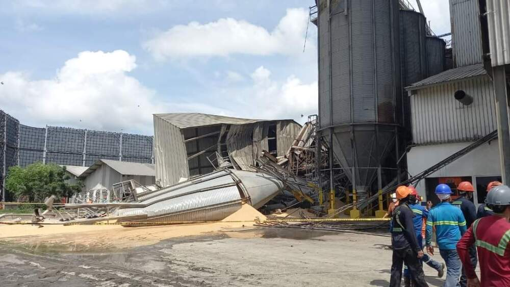 Desplome de estructura portuaria deja dos muertos y tres heridos