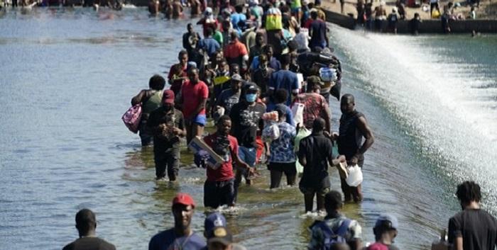 EEUU, tras cruce masivo de haitianos: «Si viene ilegalmente, será devuelto»