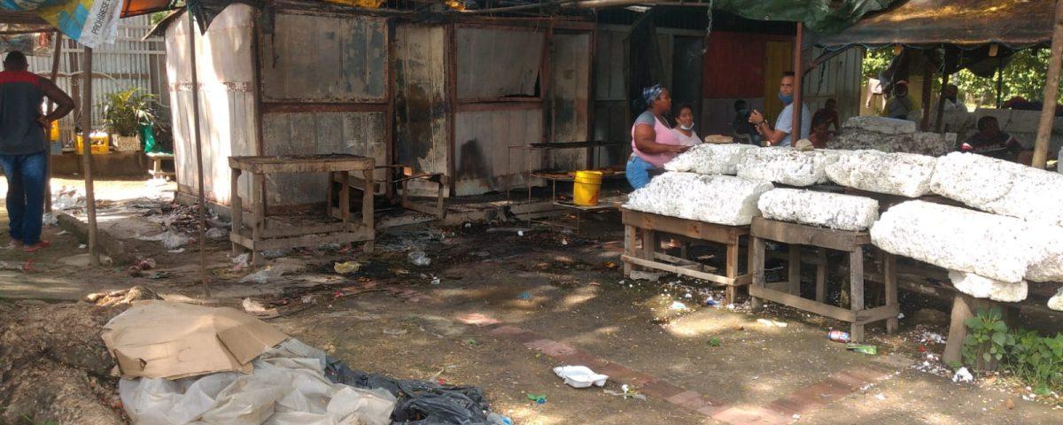 Manos criminales en incendio que consumió tres locales con flores en Jardines de Paz