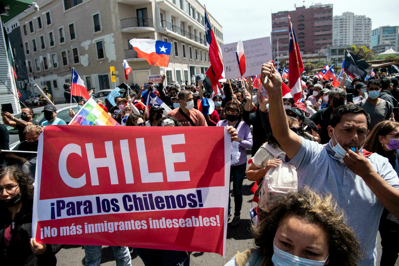 Protestas contra inmigrantes indocumentados en Iquique – LaVibrante.Com