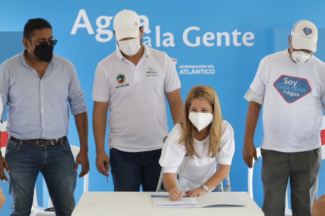 Gobernadora del Atlántico anuncia más inversiones para Santa Lucía y sus corregimientos
