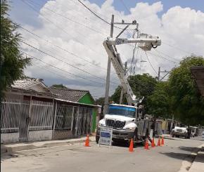 Obras de mejora eléctrica en El Bosque avanzan en un 66% – @aire_energia