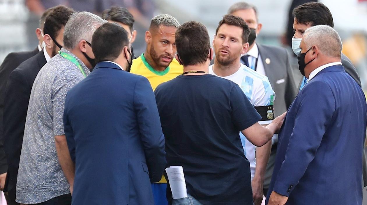 FIFA lamentó «escenas» del Brasil-Argentina y tomará una decisión «a su debido tiempo»