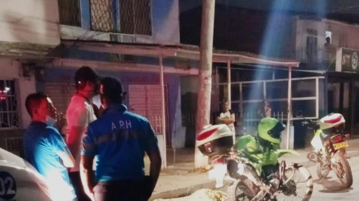 Un hombre fue apuñalado hasta morir en Soledad en el barrio Los Laureles