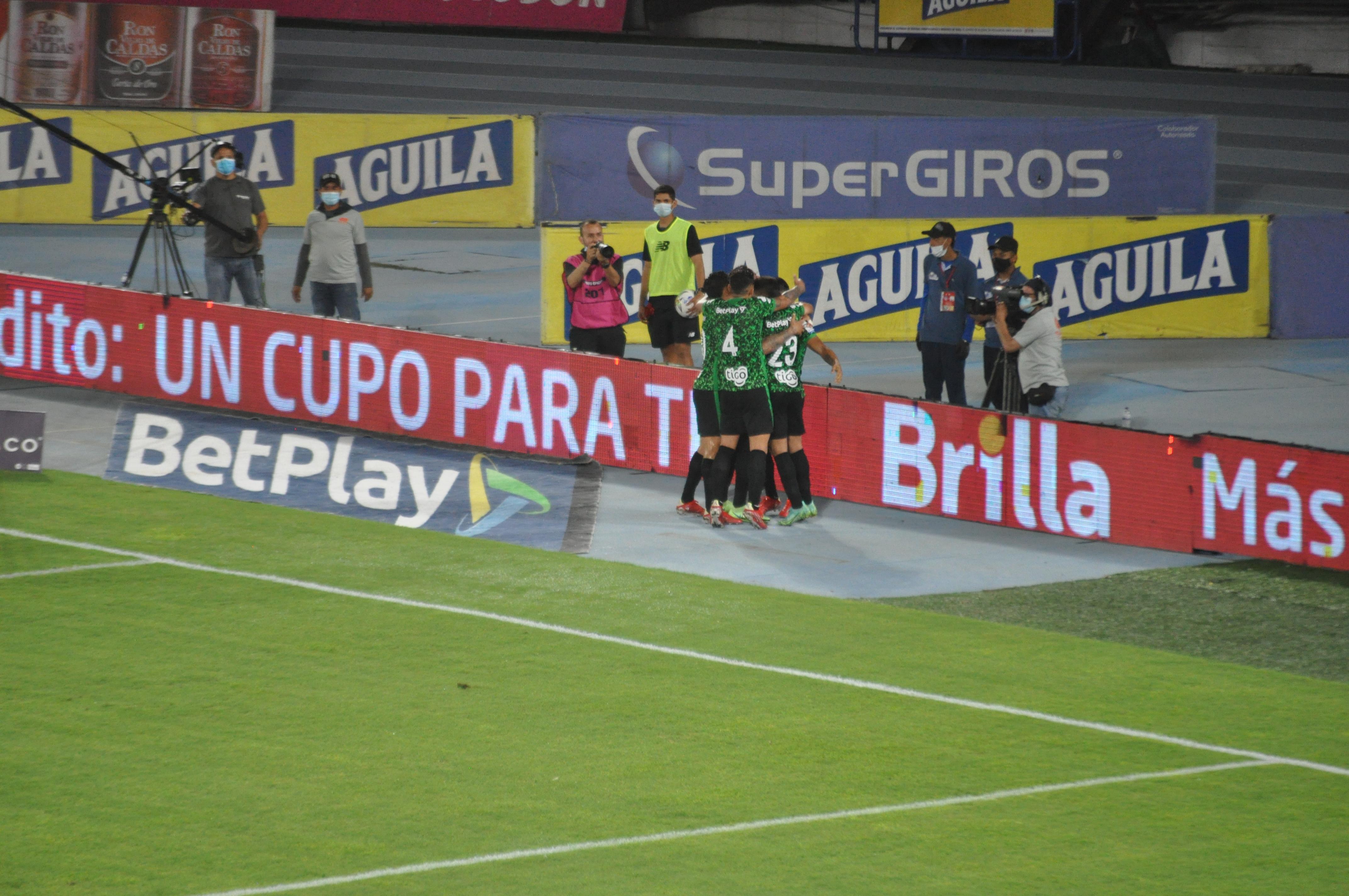La noche fue 'verdolaga' en Barranquilla: Junior 1-3 Nacional