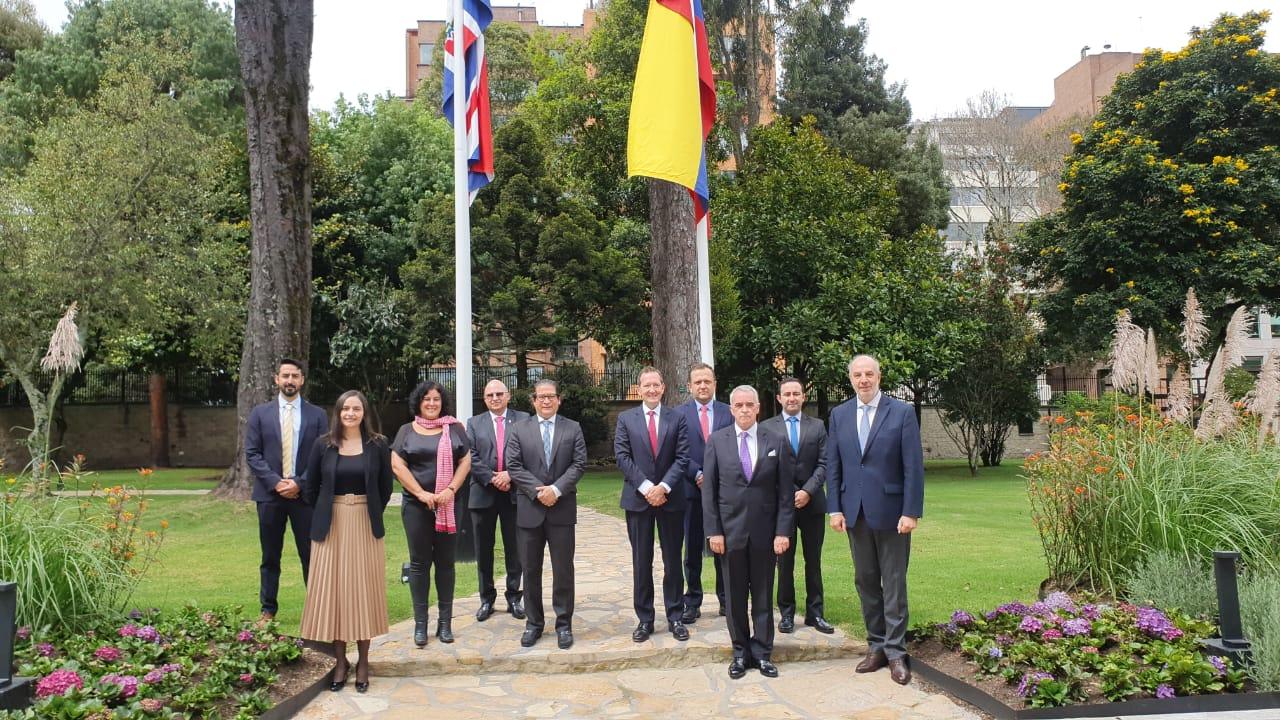 Ministerio de Agricultura y Programa de Prosperidad del Reino Unido en Colombia lanzan esquema de seguro agropecuario para el sector cacaotero, con apoyo de @fedecacao